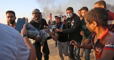 إصابة فلسطينيين اثنين بالرصاص الحى وآخرين بالاختناق على حدود غزة