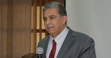وزير البيئة يعقد اجتماعا لمناقشة برنامج الحكومة فى مجال البيئة