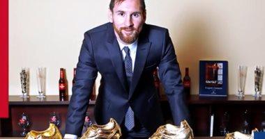كيف توج ميسي بالحذاء الذهبى 5 مرات فى تاريخه.. فيديو