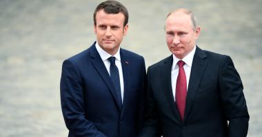 بوتين وماكرون يبحثان هاتفيا الوضع فى سوريا