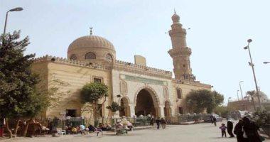 """السر فى المسجد.. """"كريمة الدارين"""" والدعاء المستجاب فى مسجد السيدة نفيسة"""