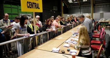 بدء التصويت للانتخابات العامة لاختيار برلمان جديد فى أيرلندا