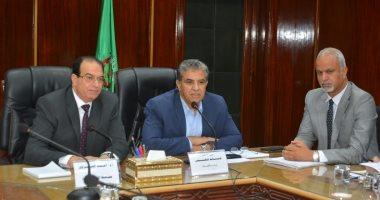 وزير البيئة: رصد الانبعاثات الغازية لمصنع السماد بطلخا وربطه بالشبكة القومية