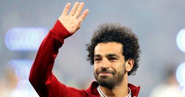 محمد صلاح يغادر مطار القاهرة متجها إلى دبى