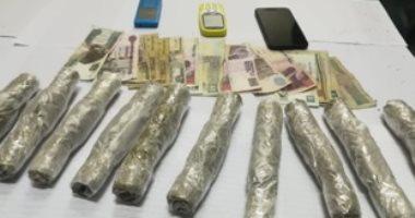 ضبط متهم بحوزته مخدر الاستروكس وأسلحة نارية بالجيزة