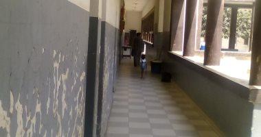 صور.. اضبط مخالفة.. الإهمال يضرب مستشفى منوف العام والقطط تحاصر المرضى