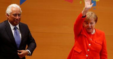"""انتخاب مقربة من ميركل رئيسة لحزب """"الإتحاد المسيحي الديموقراطي"""""""