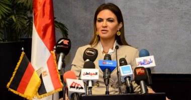 سحر نصر تشهد توقيع مذكرة تفاهم بين منظمة العمل الدولية وبنك الكويت الوطنى
