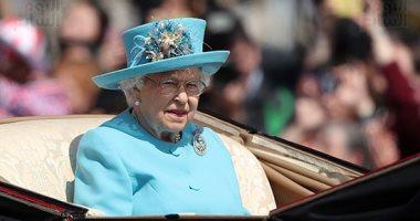 الملكة إليزابيث تصطحب ميجان ماركل فى رحلة بالقطار الملكى