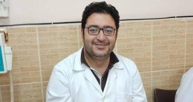 على مدار 8 سنوات.. طبيب الخير يفتح عيادة الأسنان مجانا للمرضى فى رمضان