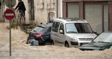 صور.. أمطار غزيرة تضرب فرنسا وشلل تام بالحركة المرورية