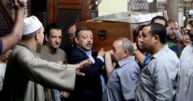 تشييع جثمان والد الإعلاميين عمرو وعلاء الكحكى بحضور نجوم الإعلام