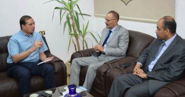 رئيس جامعة سوهاج ومدير الصندوق الاجتماعي يناقشان آليات توقيع بروتوكول