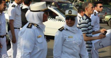 """رسالة ضابطات مكافحة العنف ضد المرأة للفتيات: """"إنزلوا فى العيد.. متخافوش"""""""