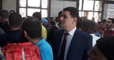 رئيس حماية المستهلك يتفقد محطة مصر للإطمئنان على توافر  تذاكر القطارات (صور)