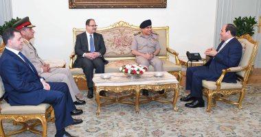 """السيسي يوجه الشكر لـ""""صدقى صبحى"""" على جهوده خلال فترة عمله وزيرًا للدفاع"""