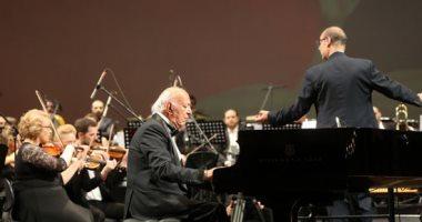موسيقى عمر خيرت تصدح فى سماء روسيا قبل مواجهة منتخب مصر