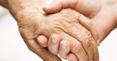 علماء يكتشفون فعالية دواء شهير مذيب للبلغم فى مساعدة مرضى الشلل الرعاش
