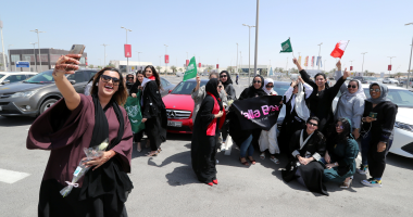 احتفاء غربى برفع الحظر عن قيادة المرأة السعودية للسيارة..وCNN: يوم تاريخى للسعوديات