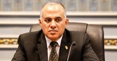 وزير الرى يكلف هيئات الوزارة بتكثيف حملات ازالة التعديات على المجارى المائية