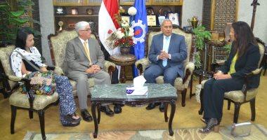 محافظ السويس يستقبل وفد ممثلى هيئة فولبرايت المصرية الأمريكية