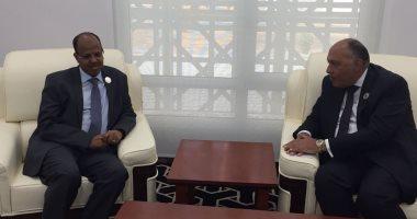 شكرى يبحث مع وزير خارجية جيبوتى إقامة منطقة حرة لوجيستية مصرية فى بلاده