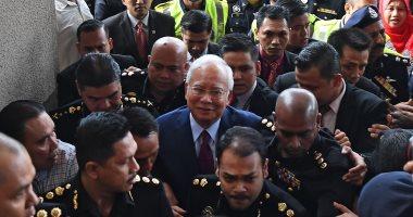 رئيس وزراء ماليزيا السابق يدافع عن نفسه فى مواجهة اتهامات بالفساد