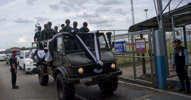 شرطة تايلاند تقتحم مركزا تجاريا لمساعدة المئات بعد إطلاق جندى النار عشوائيا