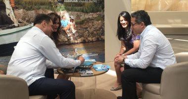 وزير الآثار يبحث كيفية استغلال فرصة معرض موناكو للترويج لمصر سياحيا