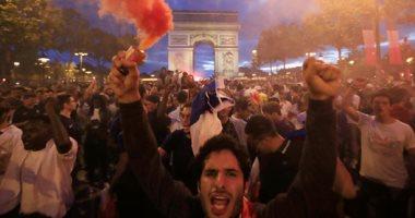 إصابة 27 مشجعا لكرة القدم فى تدافع بسبب الألعاب النارية بفرنسا
