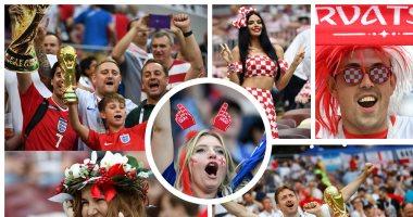 جميلات إنجلترا وكرواتيا يتنافسن فى المدرجات خلال مباراة نصف النهائى