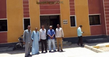 رئيس مدينة الزينية يتفقد المبنى الجديد للإدارة التعليمية والإدارة الصحية
