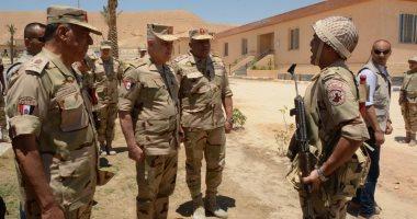صور.. رئيس أركان حرب القوات المسلحة يتابع سير العمليات العسكرية فى سيناء