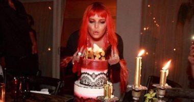 شاهد.. جيسيكا سيمبسون تحتفل بعيد ميلادها الـ38