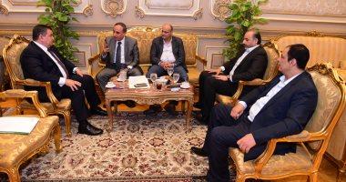 أسامة هيكل يلتقى وفد نقابة الصحفيين برئاسة النقيب بمجلس النواب