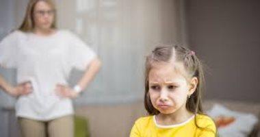 ساعده يبقى شخص سوى.. كيف تؤهل طفلك نفسيا بعد التعرض لصدمة؟
