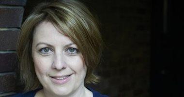 كاتبة بريطانية تقدم استقالتها من دار نشر بعد العمل 23 عاما.. اعرف السبب