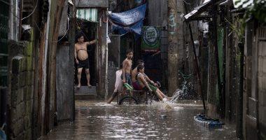 الفلبين تجلى 200 ألف شخص من المناطق الساحلية بسبب إعصار كامورى