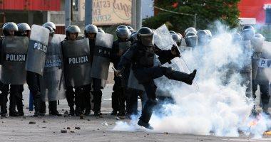 صور..كر وفر بين المتظاهرين وقوات الأمن فى هندوراس احتجاجا على ارتفاع الأسعار