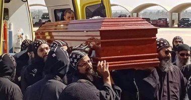وصول جثمان الأنبا إبيفانيوس إلى دير أبو مقار وبدء صلوات الجناز