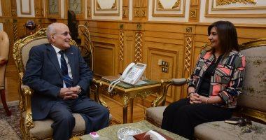 """وزيرا الإنتاج الحربى والهجرة يناقشان معايير اختيار أعضاء جمعية """"مصر تستطيع"""""""