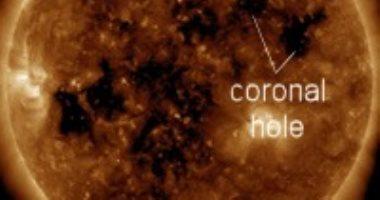 معهد الفلك: رياح شمسية ذات طاقة عالية تصل الأرض نتيجة فجوتين بسطح الشمس