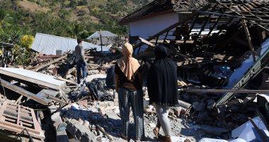 سلطات إندونيسيا تعلن أكثر من 70 ألف مشرد بسبب الزلزال المدمر