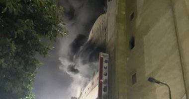 نيابة الأزبكية تنتقل لمعاينة موقع حريق سينما ريفولى وتنتدب المعمل الجنائى