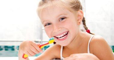 س وج ..كل ما تريدين معرفته عن تبييض أسنان أطفالك بالبيت