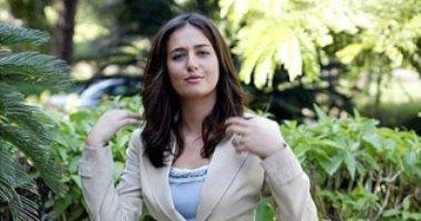 """حلا شيحة تكشف كواليس علاقتها بابنة """"الشاطر"""".. وترد على منتقديها"""