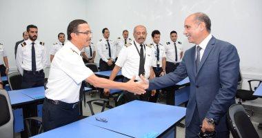 وزير الطيران يتفقد مطار 6 أكتوبر والأكاديمية المصرية لعلوم الطيران