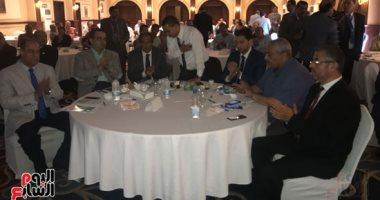 جلسة نقاشية عن النظم السياسية يعقدها مستقبل وطن بالفيوم.. صور
