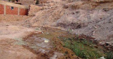 تسرب مياه الصرف لمنازل الملقطة بأسوان والأهالى يستغيثون