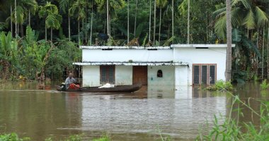 صور.. ارتفاع حصيلة ضحايا فيضانات جنوب الهند إلى 27 شخصا